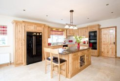 jj_byrne_besoke_kitchen_design.jpg